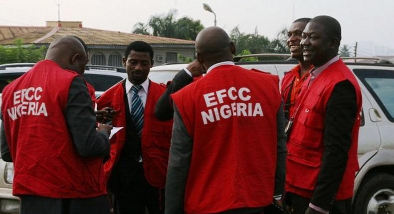 EFCC arrests 22 suspected internet fraudsters in Ogbomoso.