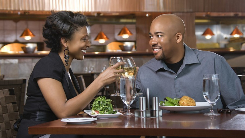 5 things you shouldn't do on a first date