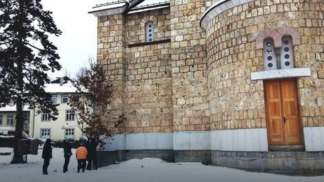 Badnjak kod hrama u Foči