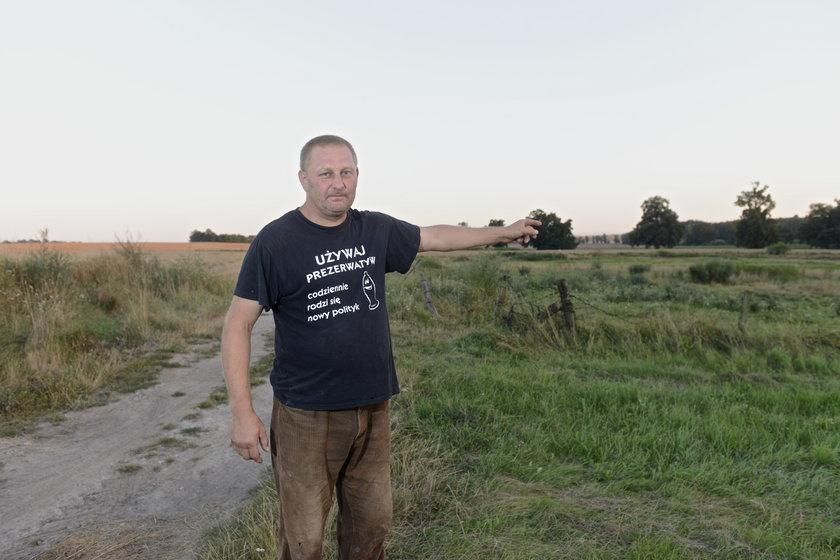 Rolnik na polu - Feliks Pretkiel