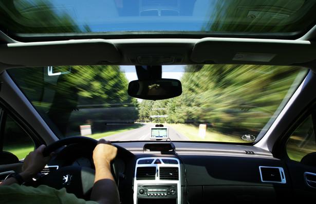 Przerywany czas pracy może być stosowany także w przypadku tych kierowców, którzy prowadzą pojazdy o dopuszczalnej masie całkowitej poniżej 3,5 tony.
