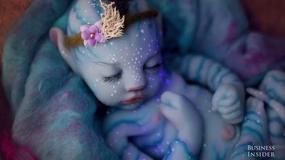 Te silikonowe lalki do złudzenia przypominają filmowe Avatary
