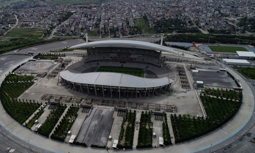 Być może Stadion Olimpijski w Stambule poczeka na finalistów Ligi Mistrzów jeszcze przez rok