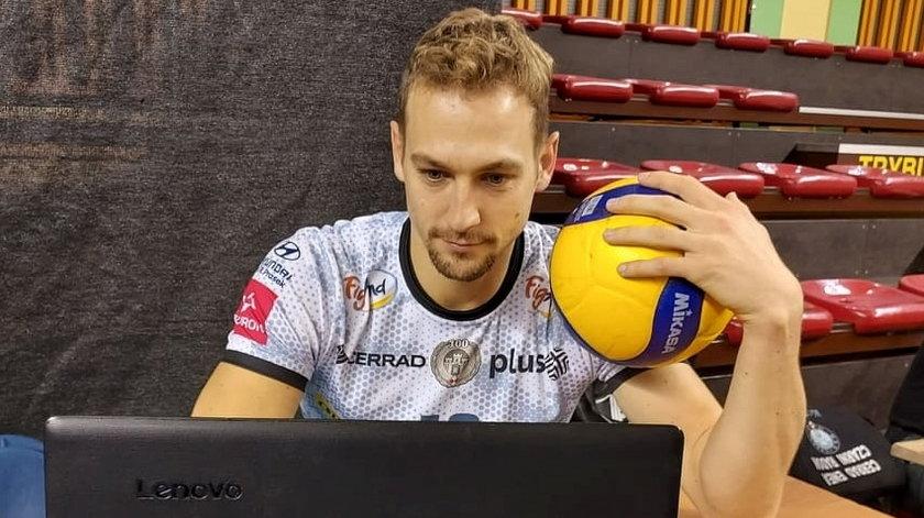 Alexander Berger (33 l.) równie dobrze czuje się przy komputerze, jak i na siatkarskim parkiecie.