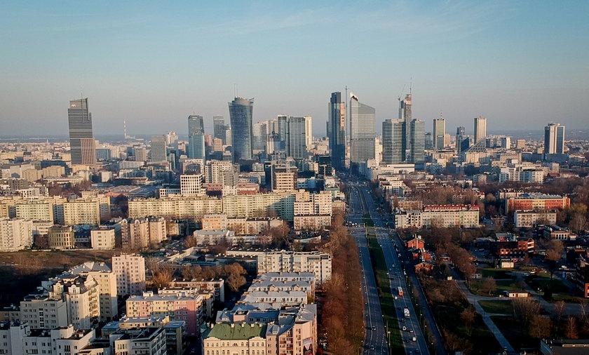 Komisja Europejska zakłada, że Polska gospodarka będzie rosnąć - w 2021 o ponad 3 proc. a w 2022 roku - o ponad 5 proc.