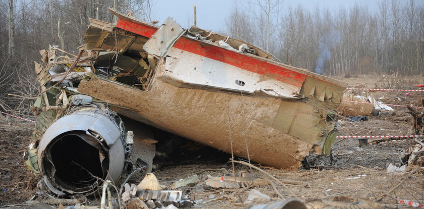 Tablice na miejscu katastrofy smoleńskiej! Ustawili je Rosjanie