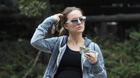 Ciężarna Natalie Portman robi selfie podczas spaceru