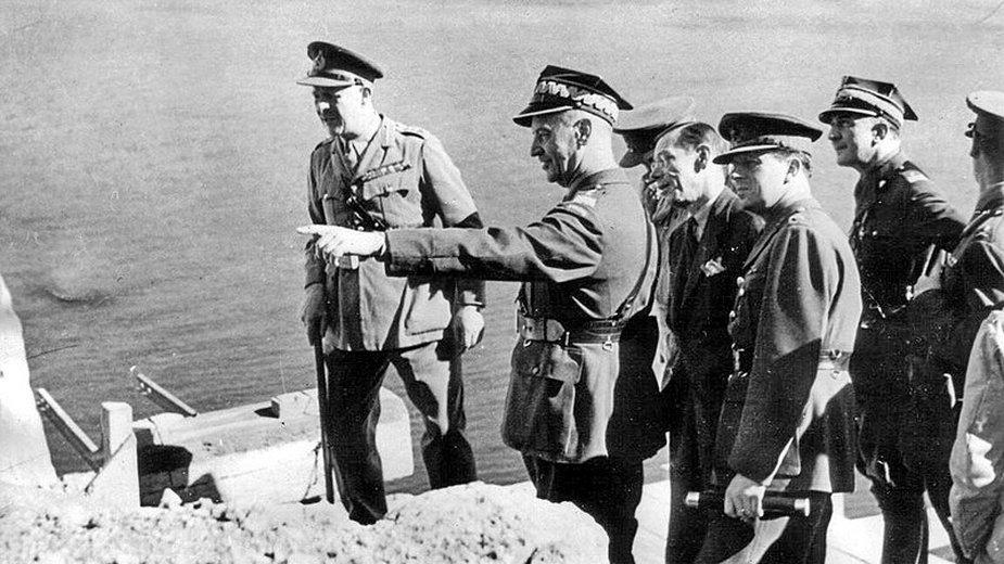 Generał Sikorski podczas wizyty na Gibraltarze - domena publiczna