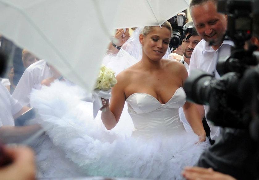 Joanna Liszowska na swoim ślubie w sukni ślubnej