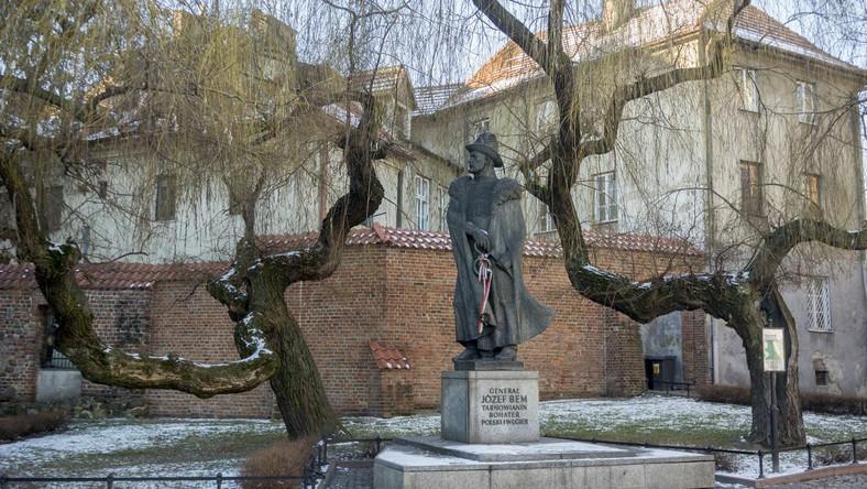Pomnik Józefa Bema w Krakowie