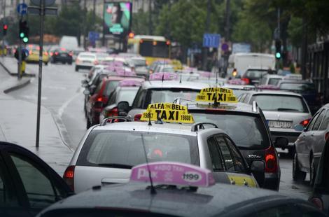 U Beogradu ima 7.000 regularnih taksista