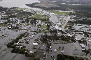 """SLEDE NOVE POPLAVE Uragan """"Florens"""" odneo 37 ŽRTAVA, nivo reka sve veći"""