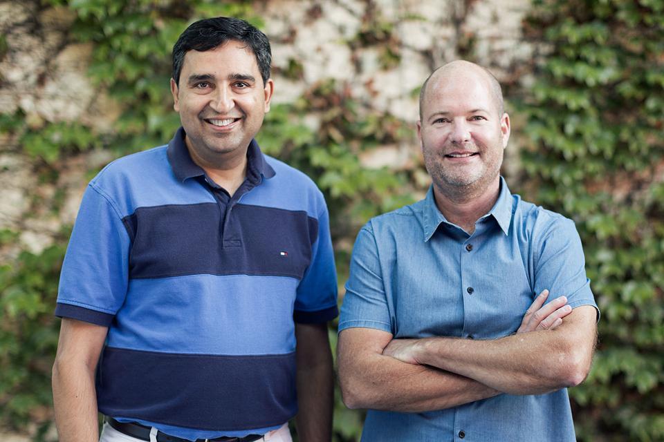 Firmę założyli: Rajiv Laroia (CTO) i Dave Grannan (CEO)