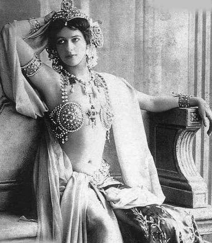 Mata_Hari_1906