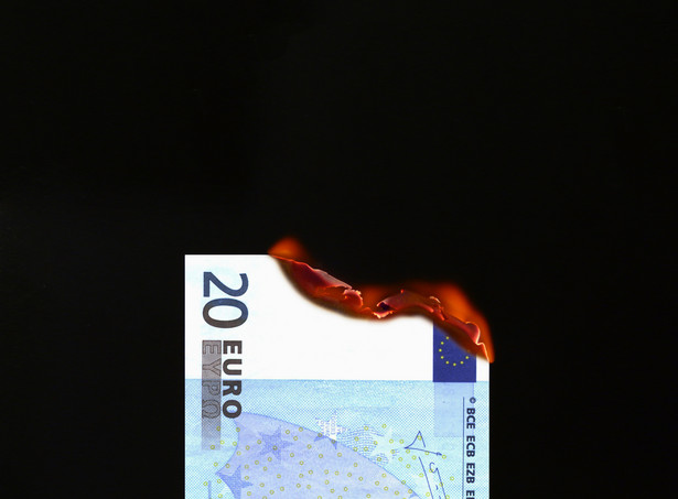 """""""W roku 2020 polskiej gospodarce będzie towarzyszył 'efekt gorącego pieniądza'. To sytuacja, kiedy oprocentowanie depozytów i bezpiecznych instrumentów finansowych nie będzie nadążać za inflacją"""" - mówi Stanisław Kluza."""