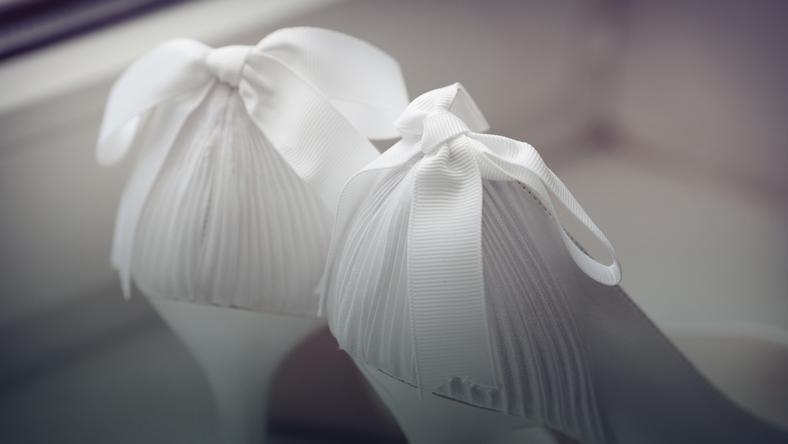 504a1576912e6 Buty ślubne – białe, srebrne, pudrowy róż. Jakie buty do ślubu ...
