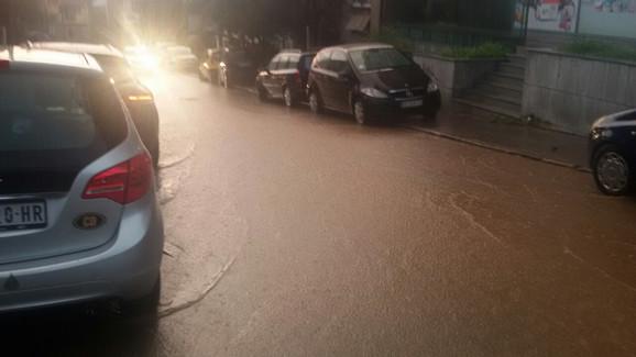 Požeška ulica je potopljena