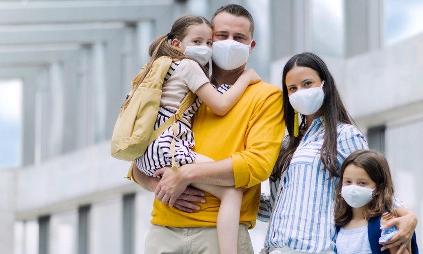 Jednym z pomysłów Polskiego Ładu ma być ochrona obojga rodziców przed zwolnieniem.