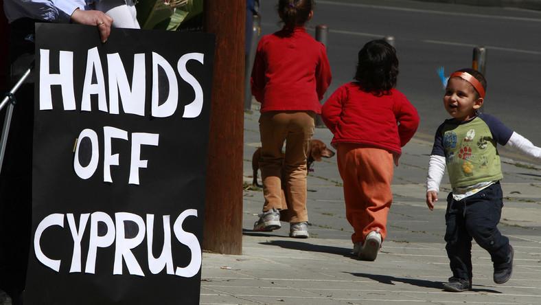 Cypryjczycy boją się utraty oszczędności