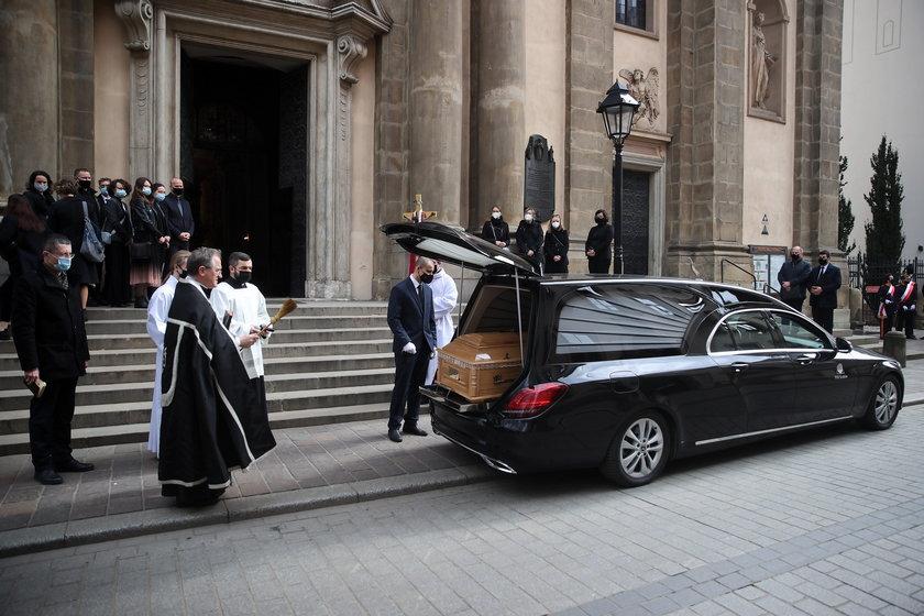 Kraków. Pogrzeb prof. Mirosława Handke na Cmentarzu Rakowickim w Krakowie