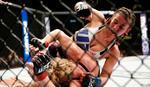 Najlepša UFC fajterka osvetila Rondu i umalo udavila rivalku! /FOTO/ /VIDEO/