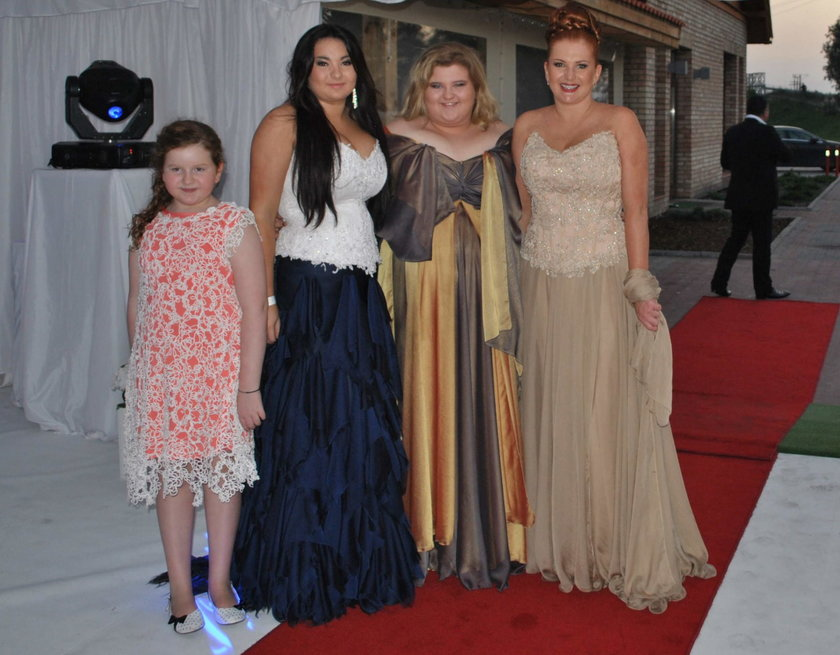 Marta Grycan z córkami