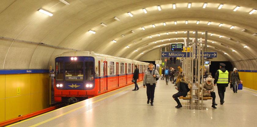 Metro sprzeda stare pociągi i kupi nowe