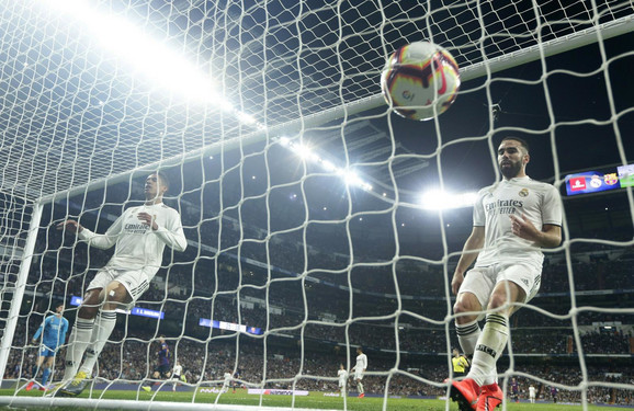 Barselona opet slavila u Madridu, titula sve bliže