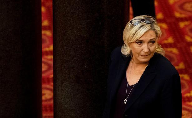 Jeżeli wierzyć sondażom, w wyborach europejskich LR z 14 proc. intencji głosowania znajduje się daleko za skrajnie prawicowym Zjednoczeniem Narodowym (RN) Marine Le Pen (dawny Front Narodowy) i prezydencką partią LREM.