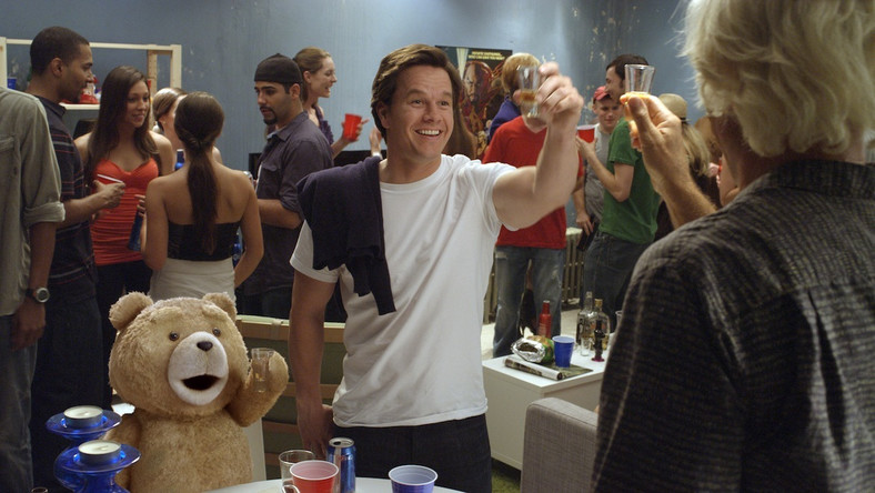 "Mark Wahlberg w filmie ""Ted"""