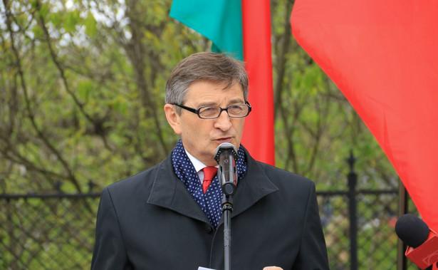 Marszałek Sejmu Marek Kuchciński miał uspokajać Wojciecha Hermelińskiego, że pieniądze się znajdą