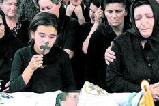 """""""BRATE PANTO, SANJAM DA TE GRLIM"""" Potresno pismo sestre dečaka ubijenog pre 15 godina u Goraždevcu"""