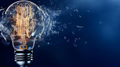 Jak płacić niższe rachunki za prąd i nie dać się oszukiwać dostawcom energii?
