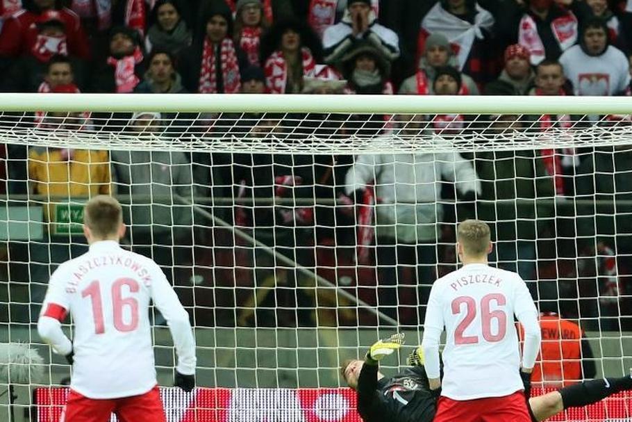 239691484 Reprezentacja Polski w piłce nożnej biało-czerwoni kibice futbol ...