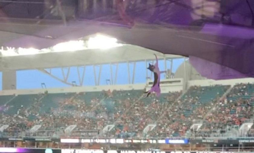 Horror na stadionie. Ludzie krzyczeli z przerażenia. Zaraz potem rozległy się głośne brawa