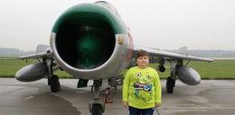 Chory Łukaszek odwiedził bazę F-16!