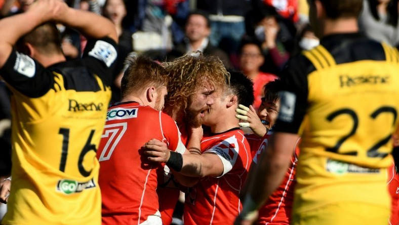 The Wellington Hurricanes swamp Japan's hapless Sunwolves in an embarrassingly lopsided game