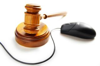 Przestępstwa w internecie: Co grozi za pomówienia w sieci?