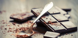 """Awaria w fabryce czekolady. Nietypowy """"śnieg"""" spadł na miasto"""