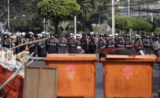 Birma: Policja zatrzymała setki demonstrantów w Rangunie i Munywie