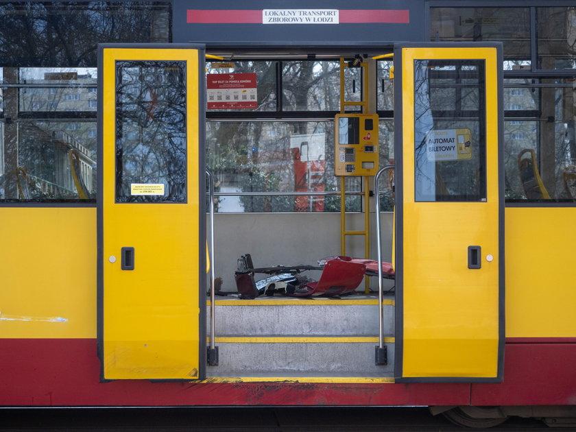 Łódź. Dostawczak zderzył się z tramwajem