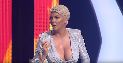 """Pljuštale uvrede:Jelena Karleuša i Marija Šerifović se posvađale u emisiji """"Zvezde Granda"""", razlog će vas šokirati! VIDEO"""