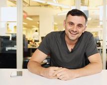 Gary Vaynerchuk jest autorem kilku książek i gościem najważniejszych konferencji o przedsiębiorczości i technologii na świecie