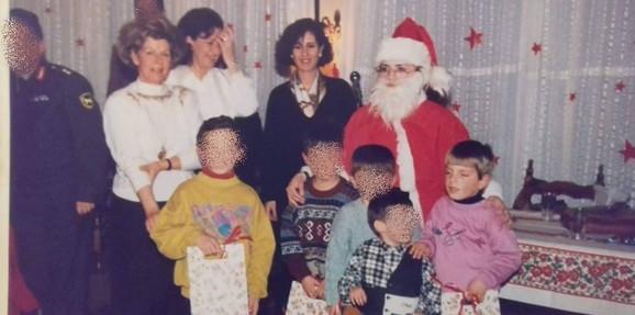 Jovan na proslavi Nove godine kod grče porodice
