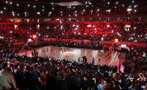 Atmosfera u Beogradskoj areni pred početak meča