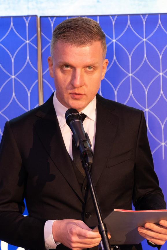 Sreten Radović, direktor izdavaštva kompanije Ringier Axel Springer čestitao je laureatima i poželeo im da nastave putem uspeha