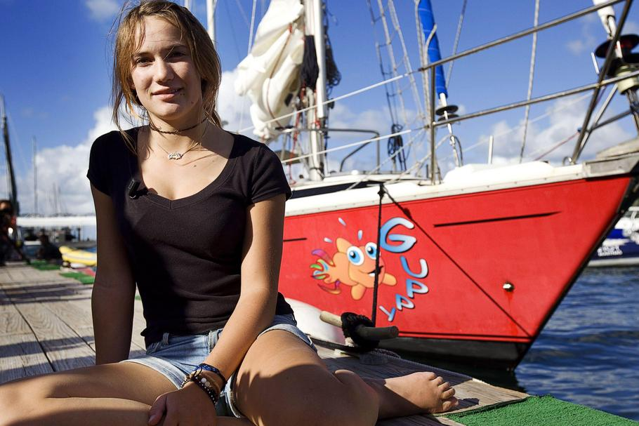Laura Dekker arrives in the port of St. Martin after her solo trip around the world