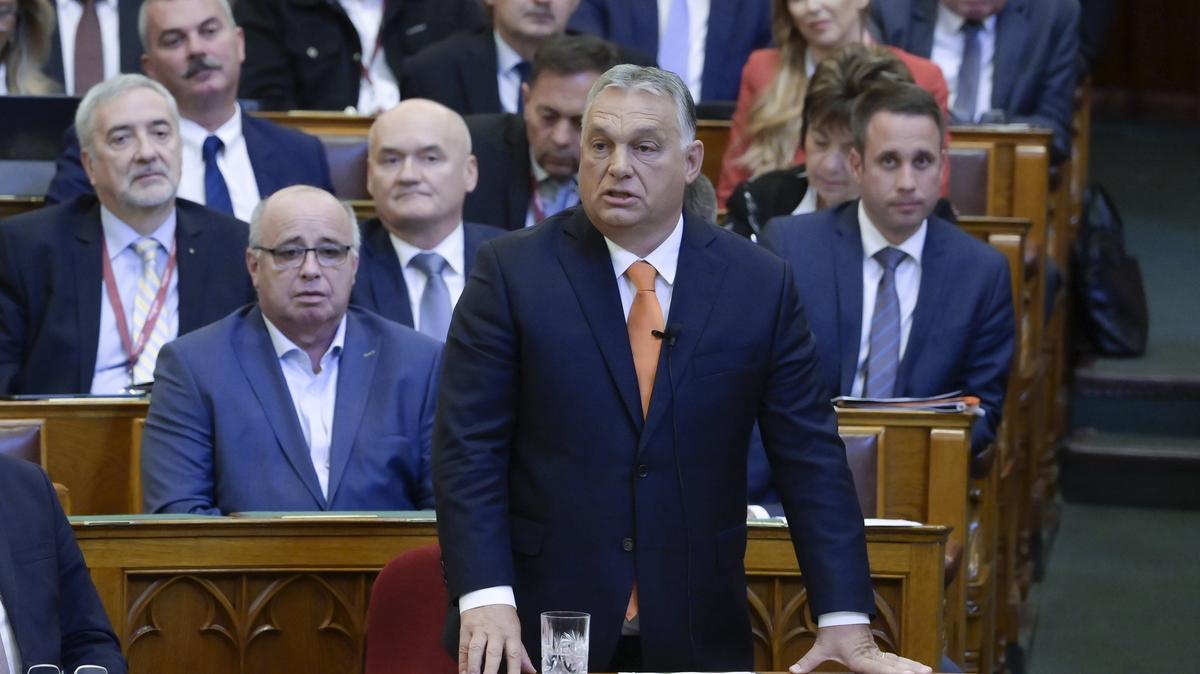 Jakab Péter és Orbán Viktor összecsapott a parlamentben: volt itt minden, Gyurcsány-show, kommunistázás, cirkusz és bohócozás is
