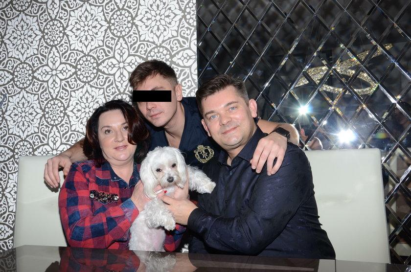 Zenon Martyniuk i Danuta Martyniuk z synem