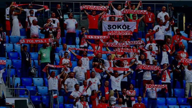 Polscy kibice podczas meczu Polski ze Słowacją w Sankt Petersburgu